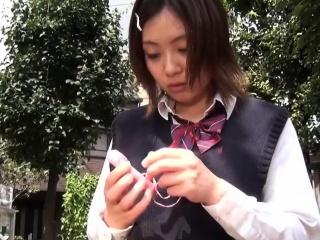 Japanese ho toying pussy