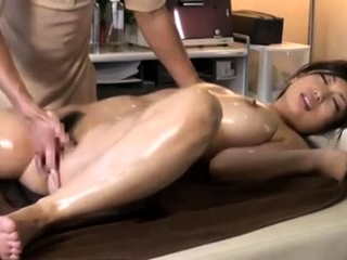 Massage with twat fingering be worthwhile for Japanese girl