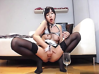 Oriental web camera beauty squirts